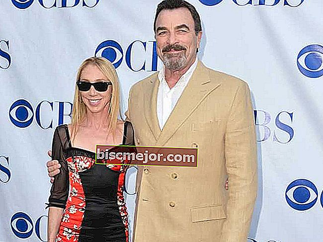 Tom Selleck WIfe